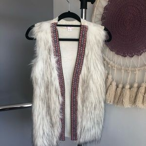 Xhilaration White FauxFur Tribal Embroidered Vest